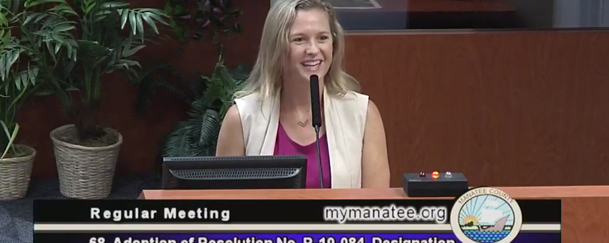 Lindsay Cross at the podium